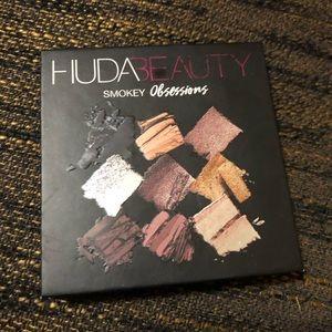 Huda Beauty Smoky Obsessions